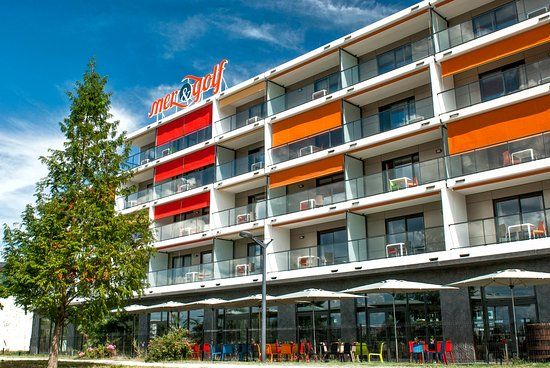 Appart h tel mer golf city bordeaux lac bruges france for Appart hotel long sejour bordeaux