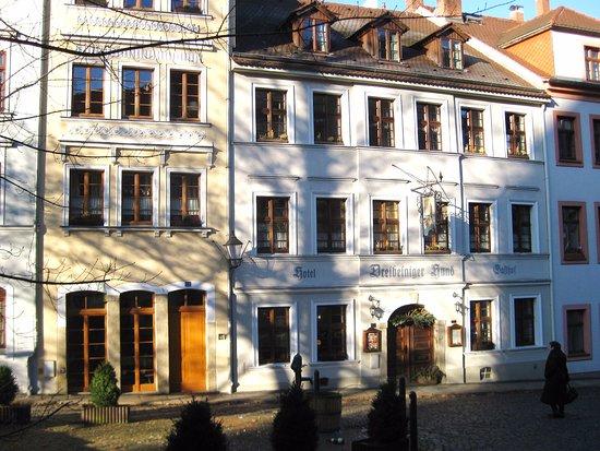 Dreibeiniger Hund: Das Hotel besteht aus zwei alten Gebäuden