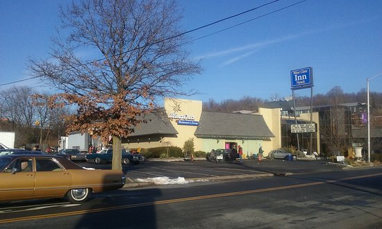 Наяк, Нью-Йорк: BOOK A ROOM at The West Gate Inn for your travel accommodations in Nyack via New York State Thru