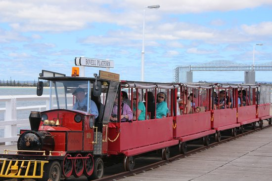 Busselton, ออสเตรเลีย: Train on jetty