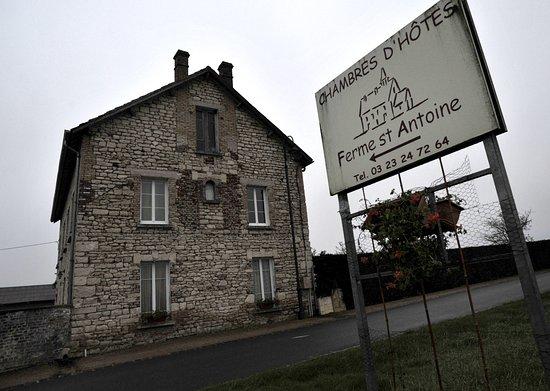 Neuville-sur-Ailette, France : Vue extérieure