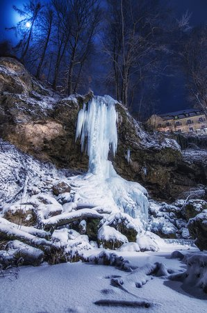 Lillafured, Ungarn: The waterfall has become ice! Wonderful winter place of interest!