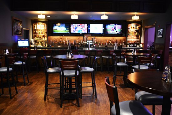 Freehold, NJ: iPlay America's Game Time Bar & Grill!