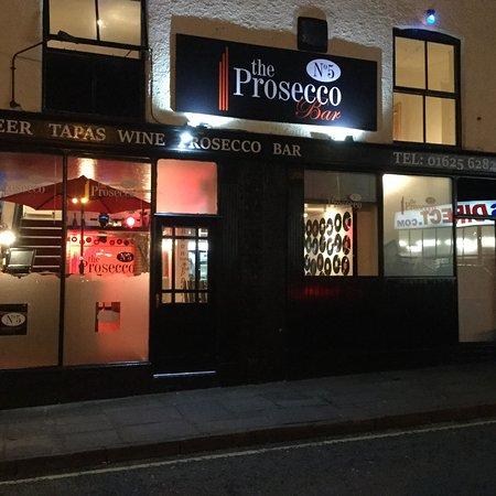 Macclesfield, UK: No 5 Prosecco Bar