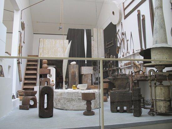 Atelier Brancusi: Brancusi's tools