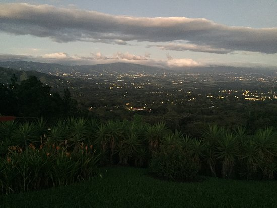 Atenas, Costa Rica: Great place to stay. Rooms are really nice. The view is absolutly breathtaking.