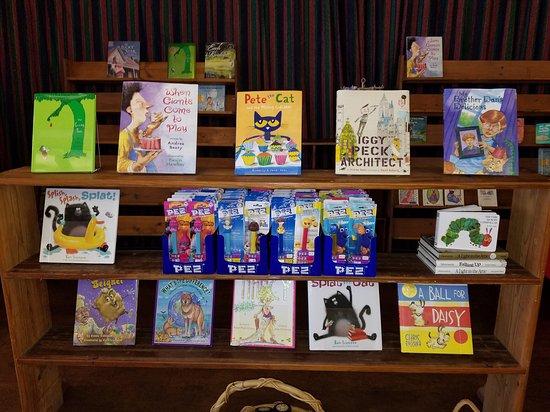 Benton, IL: Kids books too