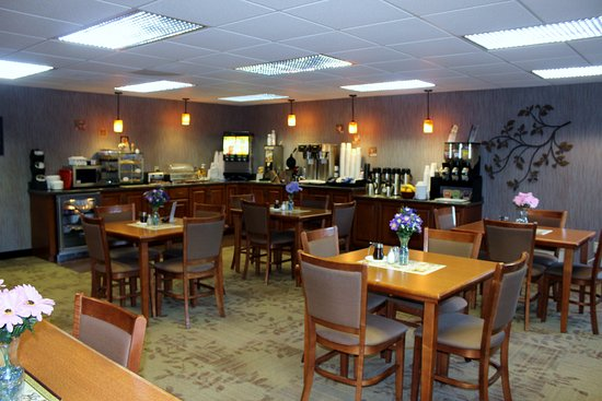 Minocqua, WI: Continental Breakfast served daily