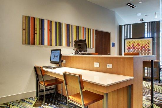 Holiday Inn Express & Suites Charleston NE Mt Pleasant ...