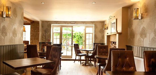 Shipton under Wychwood, UK: Winter Dining Room