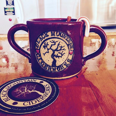 Black Mountain, NC: mulled cider