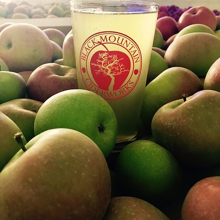 Black Mountain, NC: Real cider from real apples