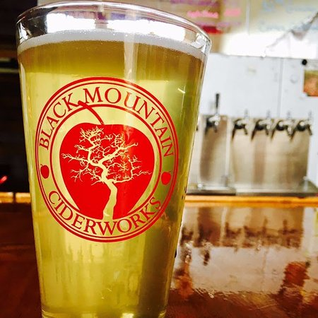 Black Mountain, NC: cider pint