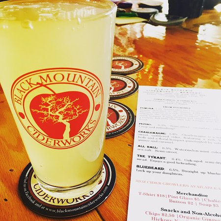 Black Mountain, NC: Pint of cider