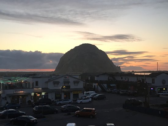 Morro Bay, Californië: Verschiedene Momente am Morro Rock ☀️💫