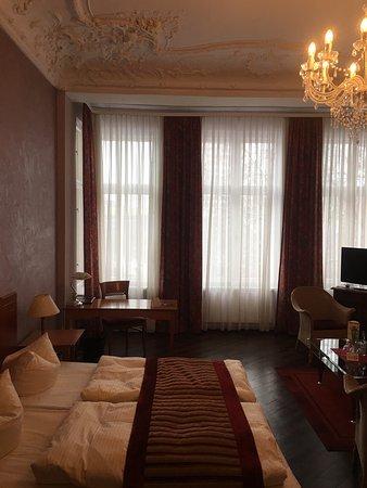 Kult-Hotel Auberge: Трёхместный номер