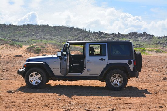 Aruba Marriott Resort & Stellaris Casino: Off roading in a jeep