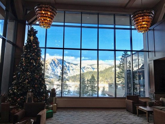 Resort at Squaw Creek: Front Lobby