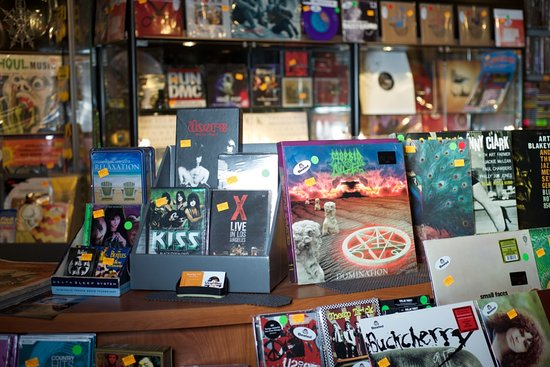 Plainview, NY: Vinyl Bay 777 carries all new releases as well as original pressings of the most sought after vi