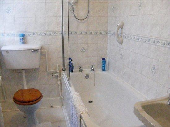 Newlyn, UK: Suite 3's bathroom