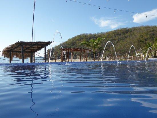 la isla huatulco & beach club reviews