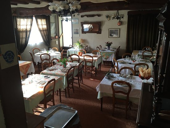 Troo, France: Restaurant du Cheval Blanc