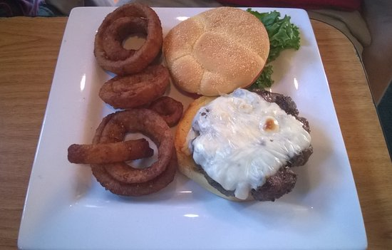 Portland, CT: Burger with Onion Rings (burnt cheese)