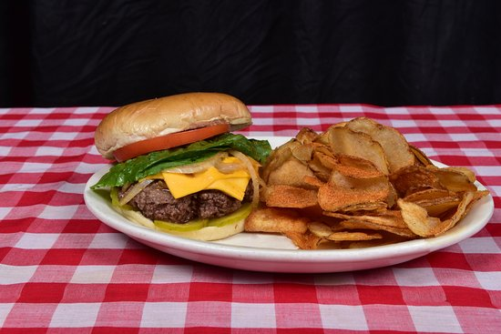 Bartlett, Tennessee: Fresh hand-formed locally sourced cheeseburgers.