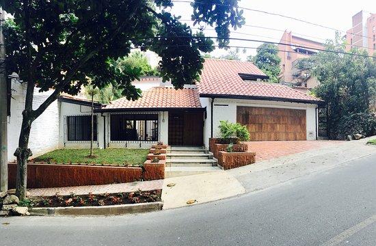 Chillin District Hostel