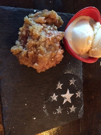 Greater Perth, Australia: Apple and Rhubarb Crumble and Ice Cream