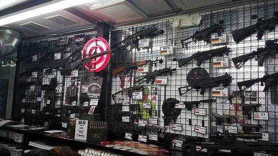 The AK-47 comes in full auto! - Picture of Gun Garage, Las