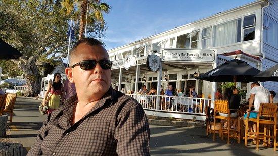 รัสเซลล์, นิวซีแลนด์: Relaxing after a long drive.