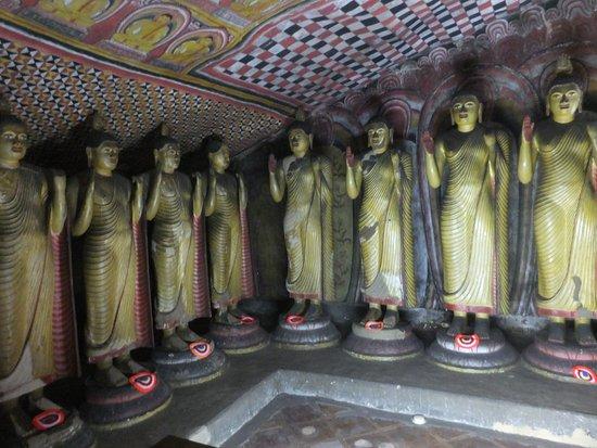 Dambulla, Sri Lanka: ダンブッラ石窟寺院