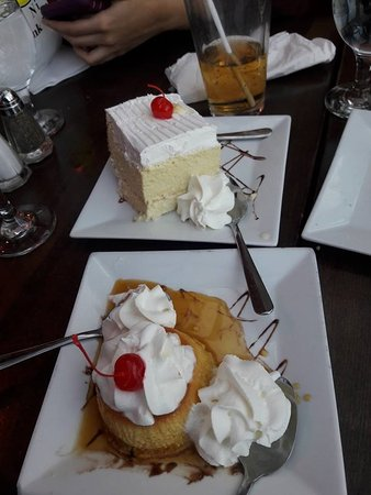 Guttenberg, NJ : Tres leches and flan..!