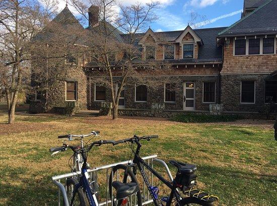 Hillsborough, Нью-Джерси: Duke's palace