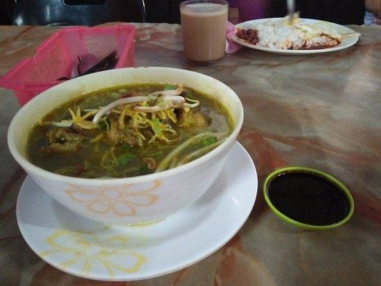 Roti Canai Terbang: soto/soup