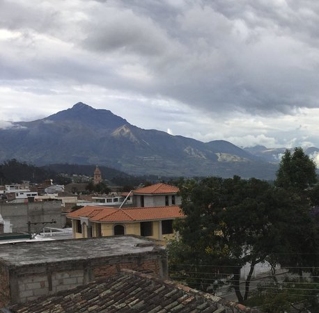 Hostal Chasqui : View of Cotacachi from mirador