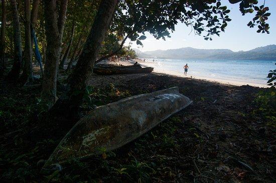 Las Galeras, Dominican Republic: Arriving at La Playita via the trail from Avenida Jimi Hendrix