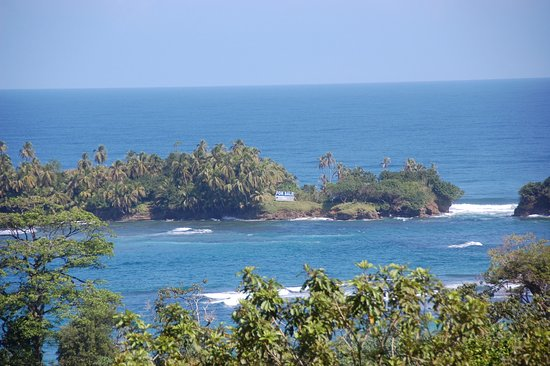 Isla Bastimentos, Panama: View from upper villa...Island for sale!