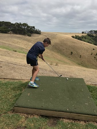 Penneshaw, Australia: My son trying the golf challenge