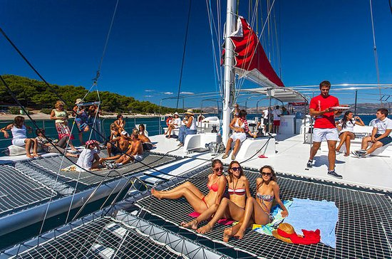 All Inclusive Full-Day Taboga Island Catamaran Excursion