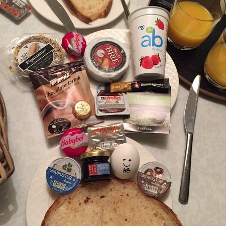 Loved the breakfast basket!