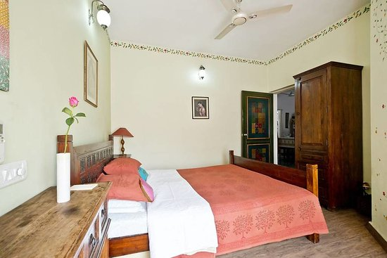 Chhoti Haveli: Nawab room with Queen size bed