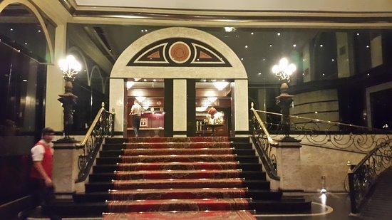 Hotel Excelsior Asuncion: Escalinata de ingreso