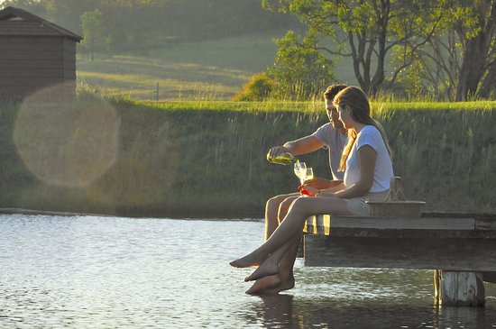 Enjoy Hunter Valley wine in the Lovedale region of Hunter Valley Wine Country Ausyralia