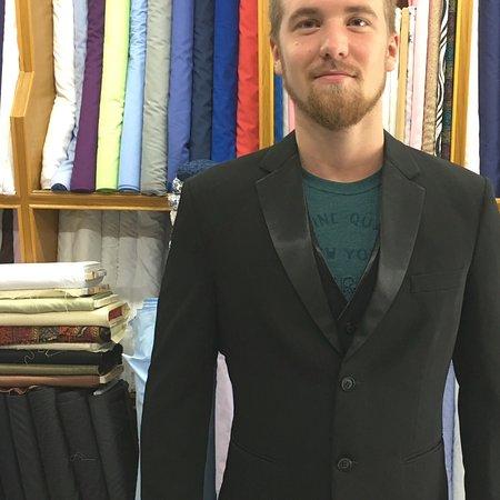 บ่อผุด, ไทย: Tuxedo cashmere wool