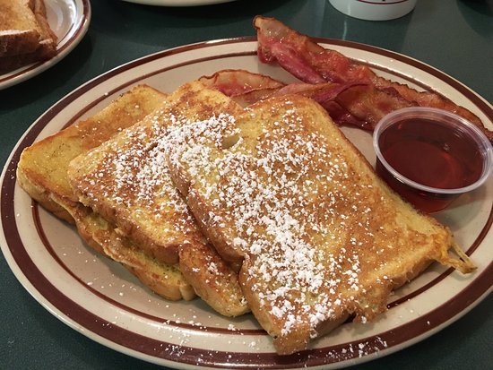 Perth, Canada: French toast and bacon with Lanark County maple syrup