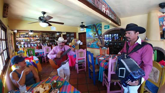 Pancho's Restaurant & Tequila Bar: Food was Fantastic. When in Mexico, purchase a few songs!