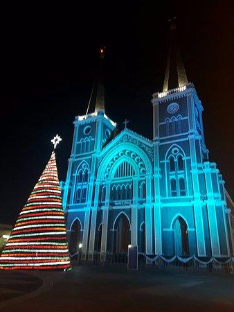 เมืองจันทบุรี, ไทย: ช่วงคริสมาสจะมีไฟประดับทุกๆปี สวยมากๆ