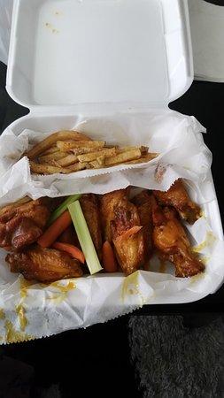 มิลลิงตัน, เทนเนสซี: Fries and honey gold wings